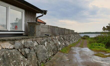 Svéd otthonra lelni egy kicsi tengerparti szigeten, majd a búzamezőn
